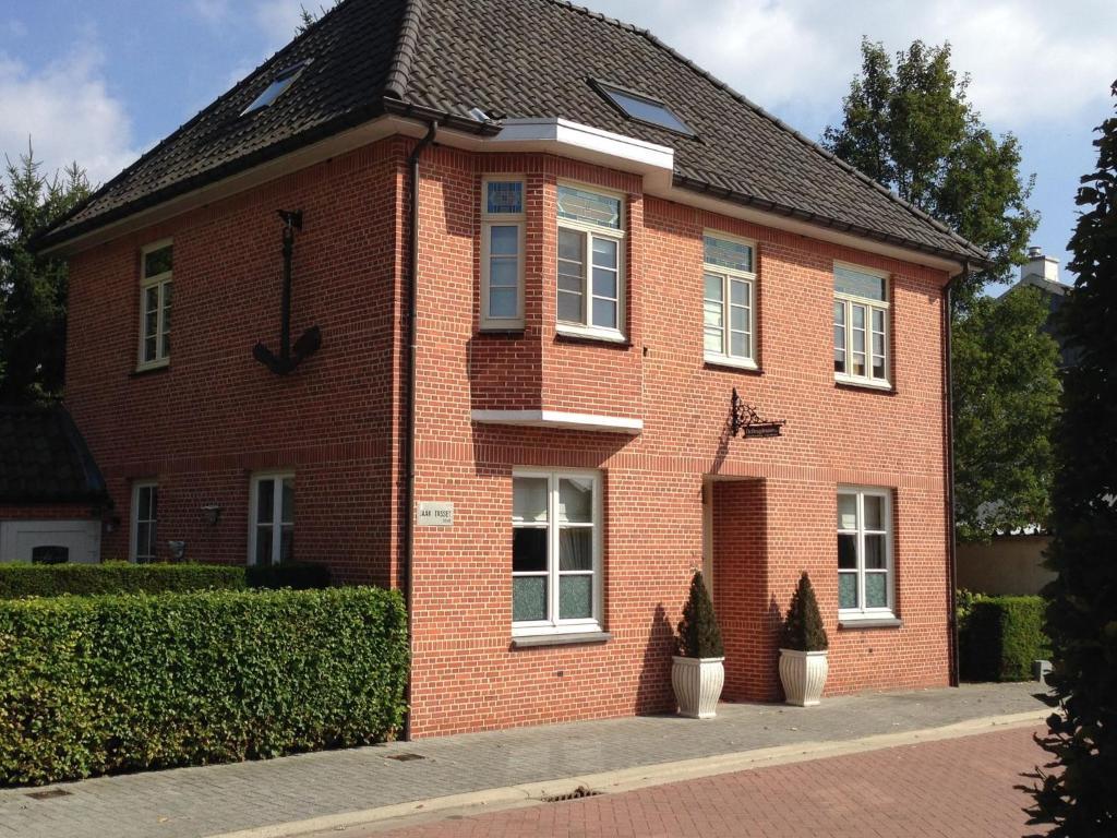 Spacious Villa in Neerpelt near Welvaart Marina