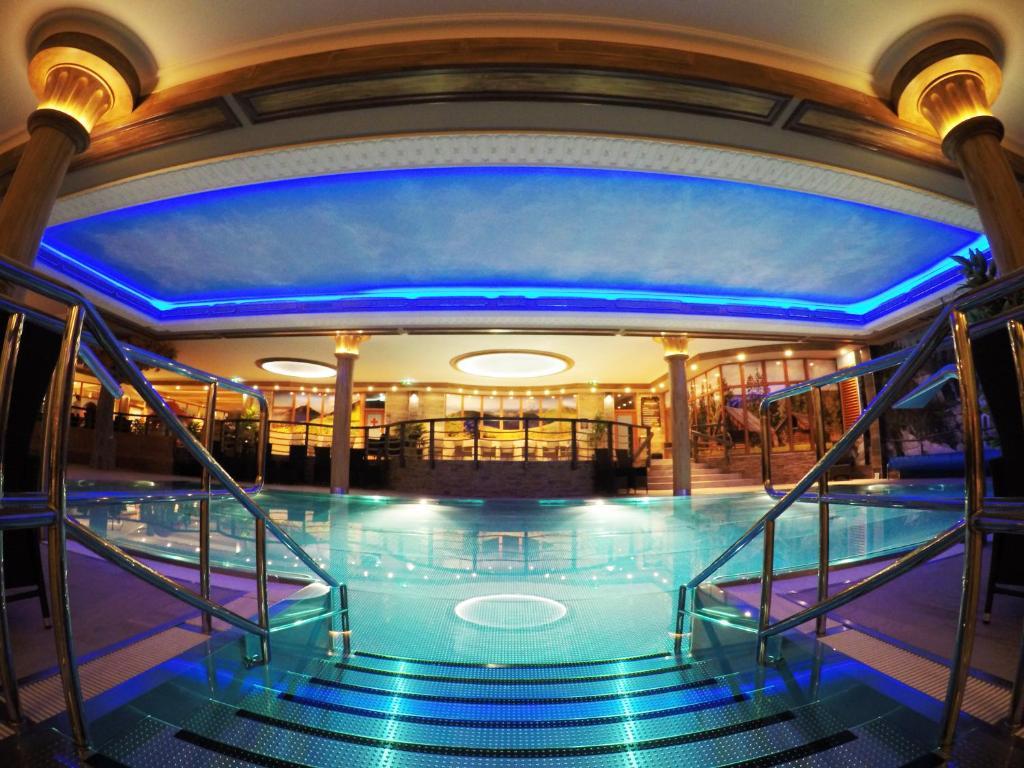 Bazén v ubytovaní AQUA SPORT*** alebo v jeho blízkosti