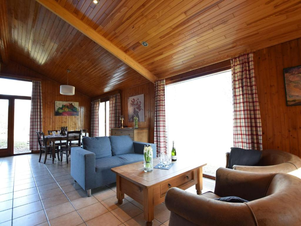 Charming Holiday Home in Tenneville near Lake