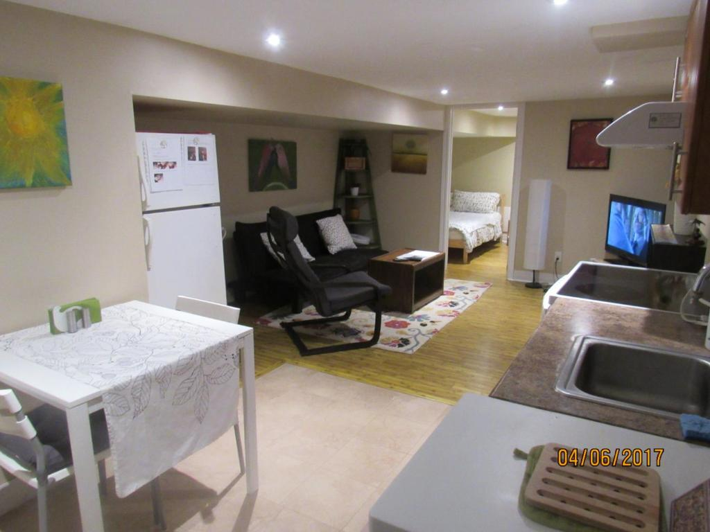 Cosy 1 Bedroom Apartment In Toronto Beaches Canada Toronto Booking Com