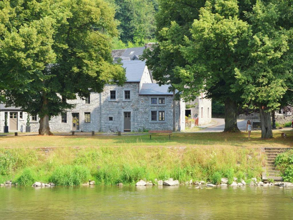 Luxury Cottage in Hamoir beside a River