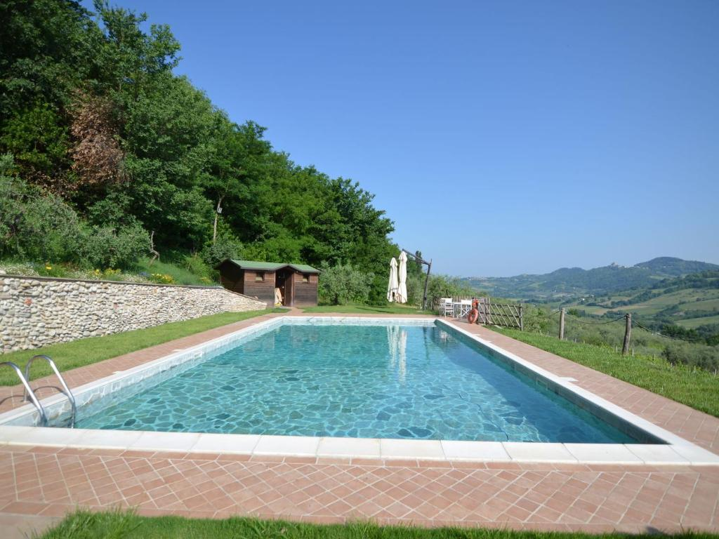 Lovely Holiday Home in Monte Colombo on Farm