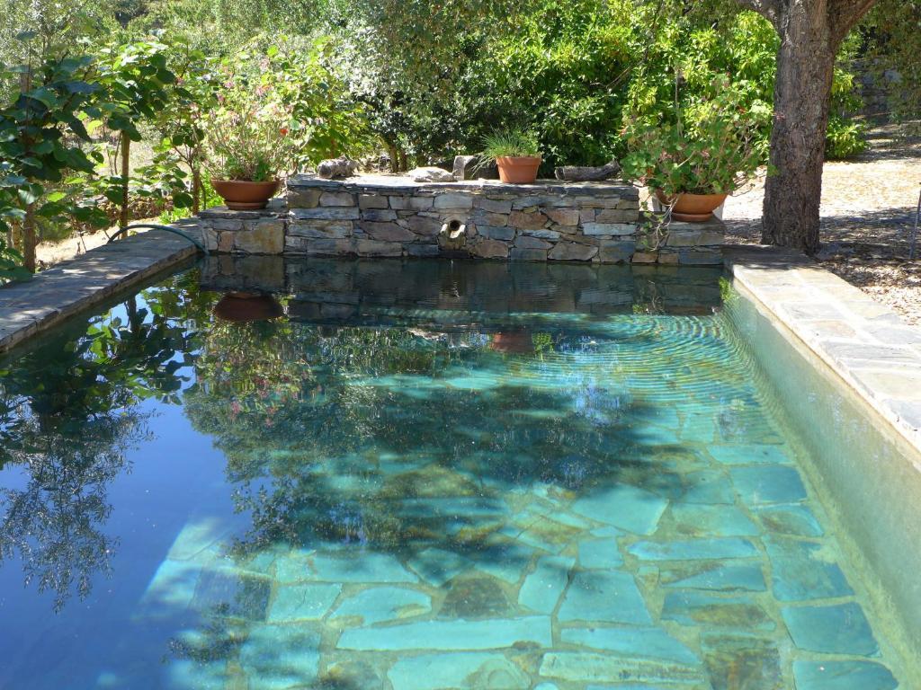 The swimming pool at or near Casa Da Charca