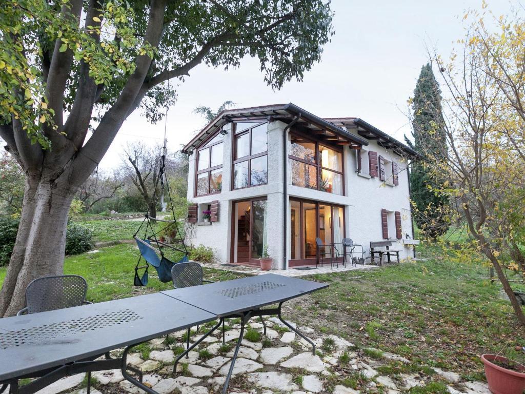 Luxurious Cottage in Vo with Garden