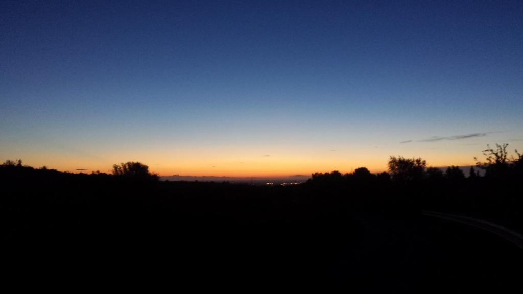 Alba o tramonto visti dall'interno della casa vacanze o dai dintorni