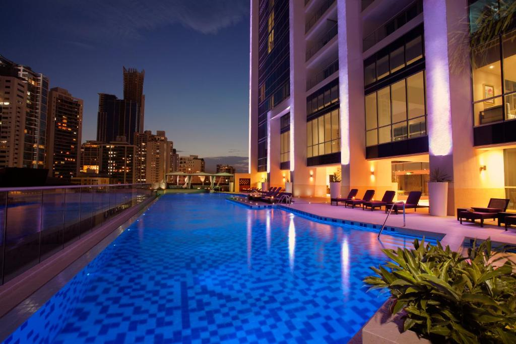 The swimming pool at or close to Hard Rock Hotel Panama Megapolis