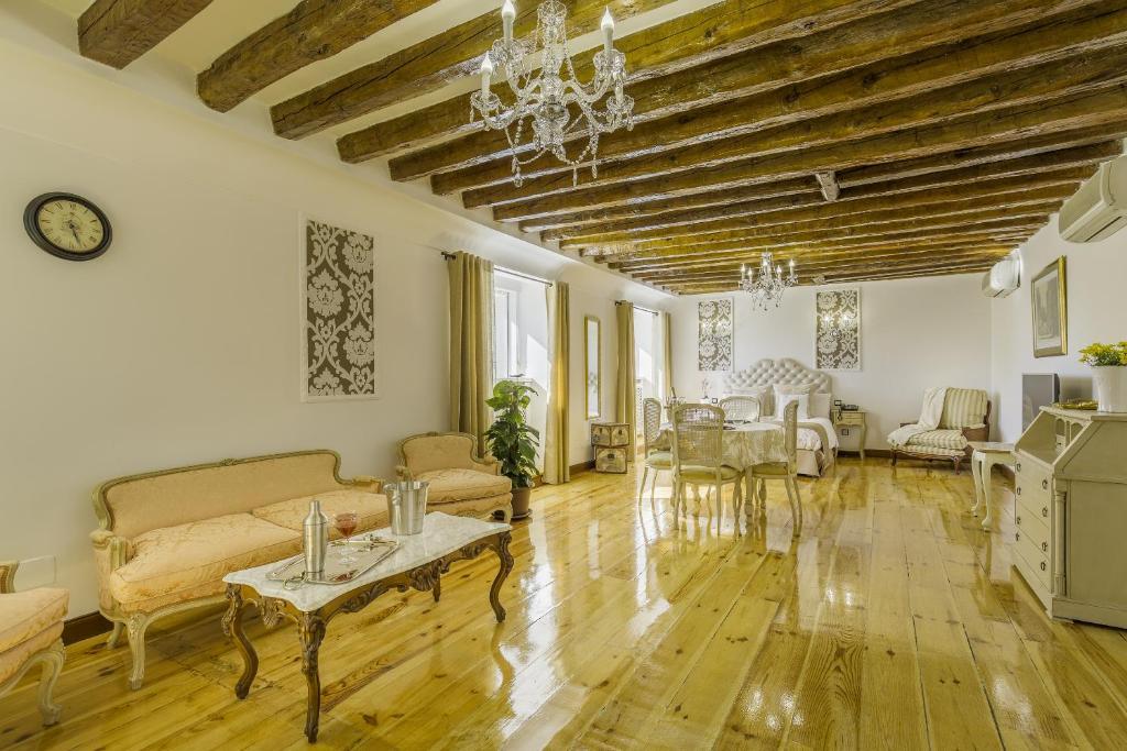 Oriente Palace Apartments, Madrid