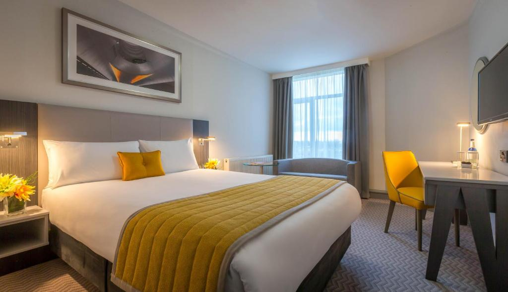 A room at the Maldron Hotel Dublin Airport.