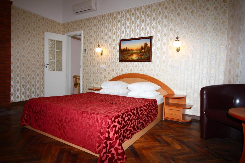 A bed or beds in a room at Green Villa