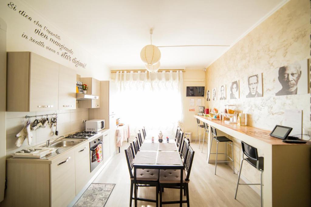 Cuisine ou kitchenette dans l'établissement B&B Movie Home