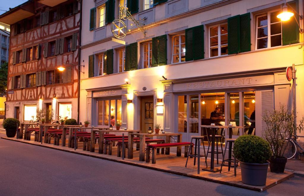 Ein Restaurant oder anderes Speiselokal in der Unterkunft Hotel Restaurant Stern Luzern