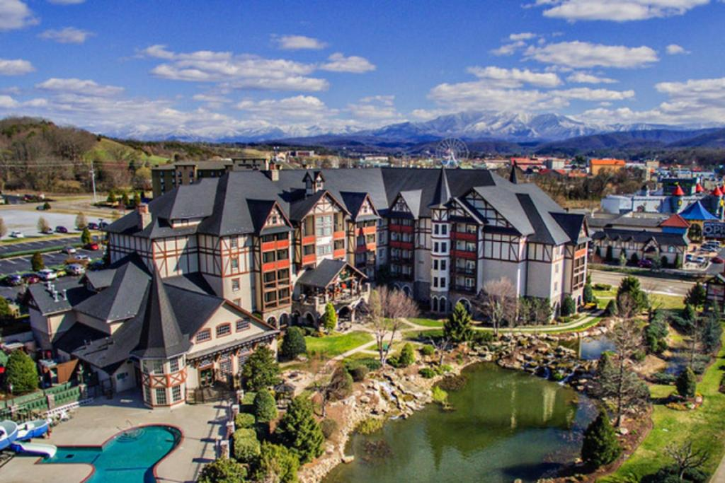 Christmas In Pigeon Forge 2020 The Inn at Christmas Place, Pigeon Forge – Updated 2020 Prices