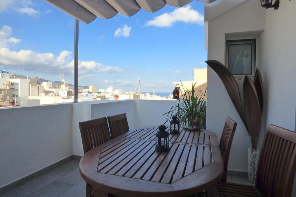 A balcony or terrace at Precioso Atico con Vistas en el Centro de Santa Cruz