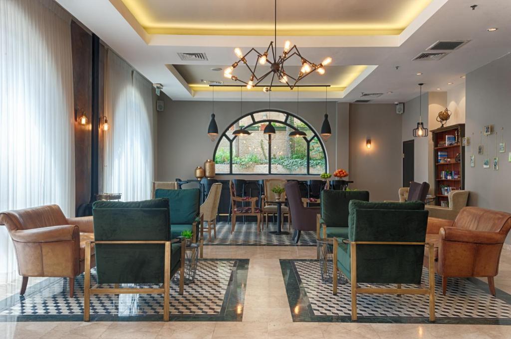 אזור ישיבה ב-מלון אלדן
