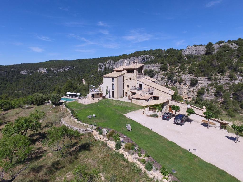 A bird's-eye view of Hotel Mas de la Serra