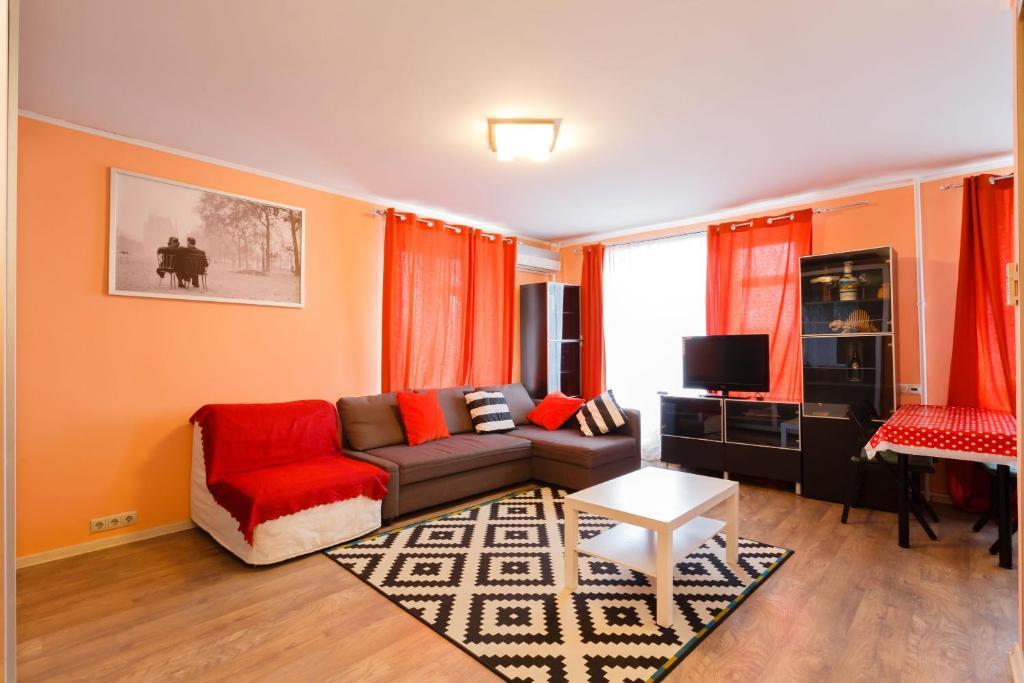 A seating area at Business Brusnika Apartments Taganskaya