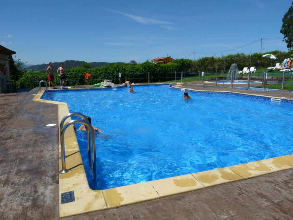 The swimming pool at or close to Camping Colombres