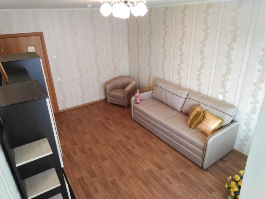 A seating area at Apartments at Ovchinnikova 33a