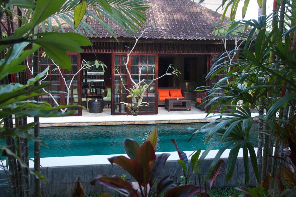 The swimming pool at or near Taman Rahasia Tropical Sanctuary and Spa