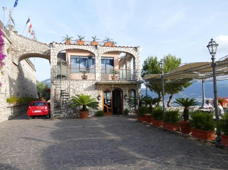 Hotel Mega Mare Vico Equense, Italy