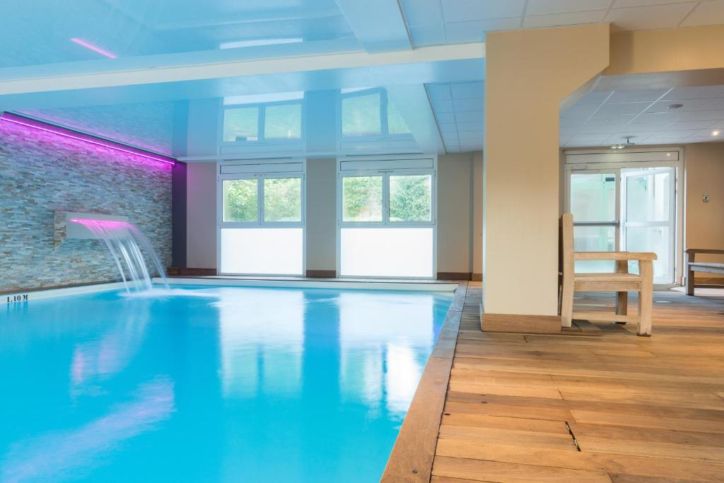 The swimming pool at or close to Résidence La Closerie Deauville
