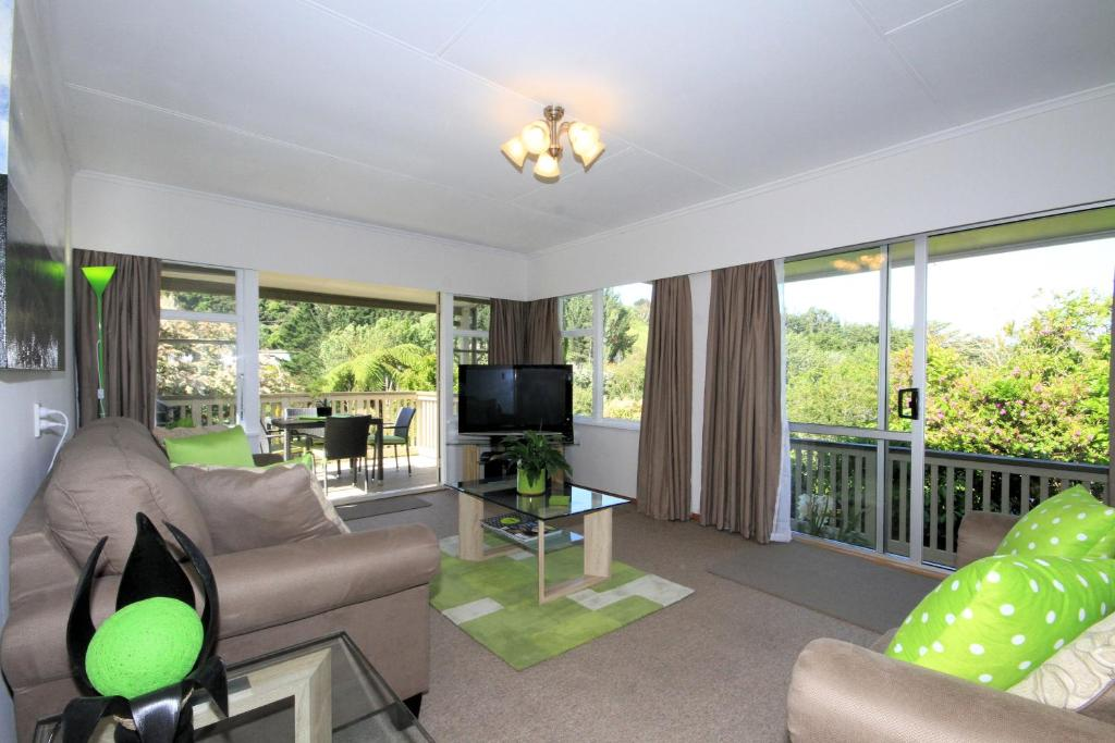 A seating area at Durie Vale Retreat