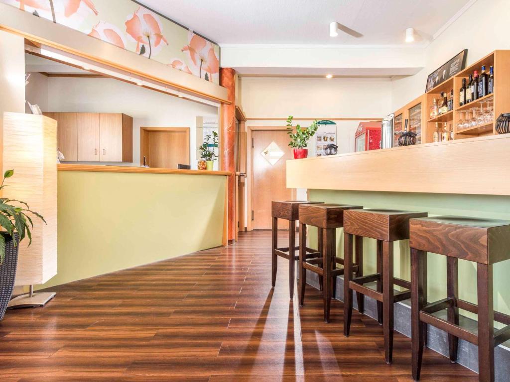 Lounge oder Bar in der Unterkunft ibis Hotel Eisenach