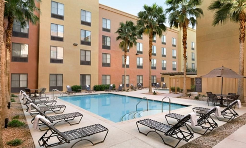 The swimming pool at or close to Homewood Suites by Hilton Las Vegas Airport