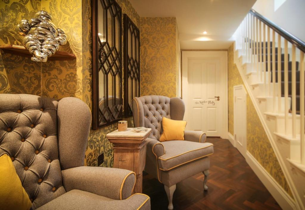 A seating area at Padstow Townhouse