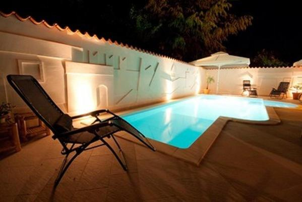The swimming pool at or close to Hotel Makin