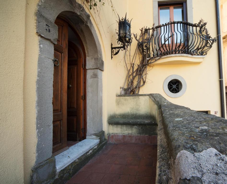 The Clock Houses Borgo Gallodoro