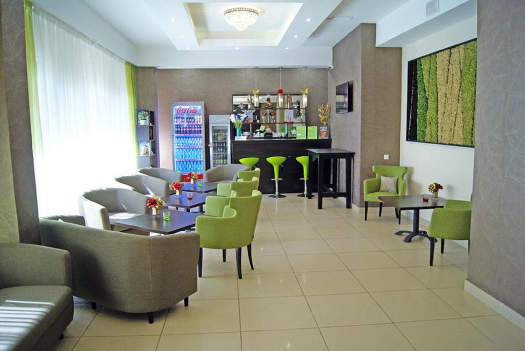 Лаундж или бар в Апарт-отель Hills Hotel