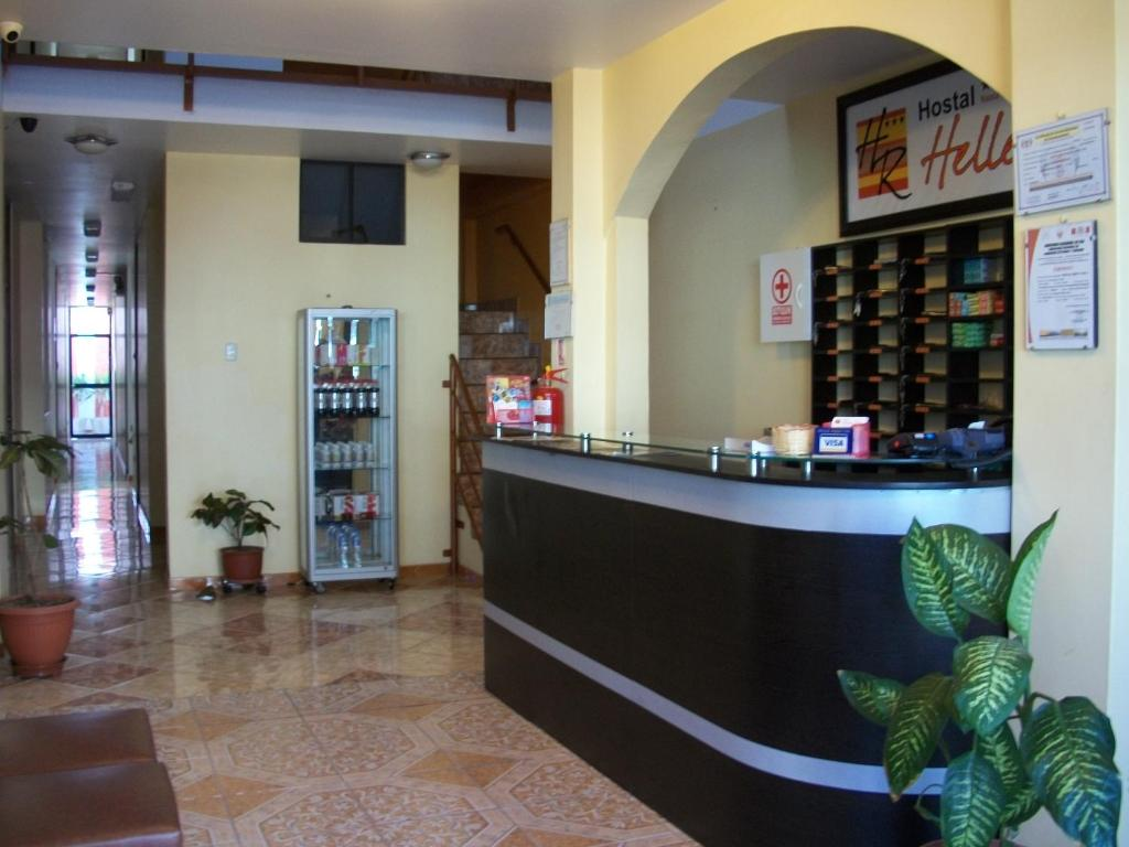 The lobby or reception area at Hostal Hellen Ross