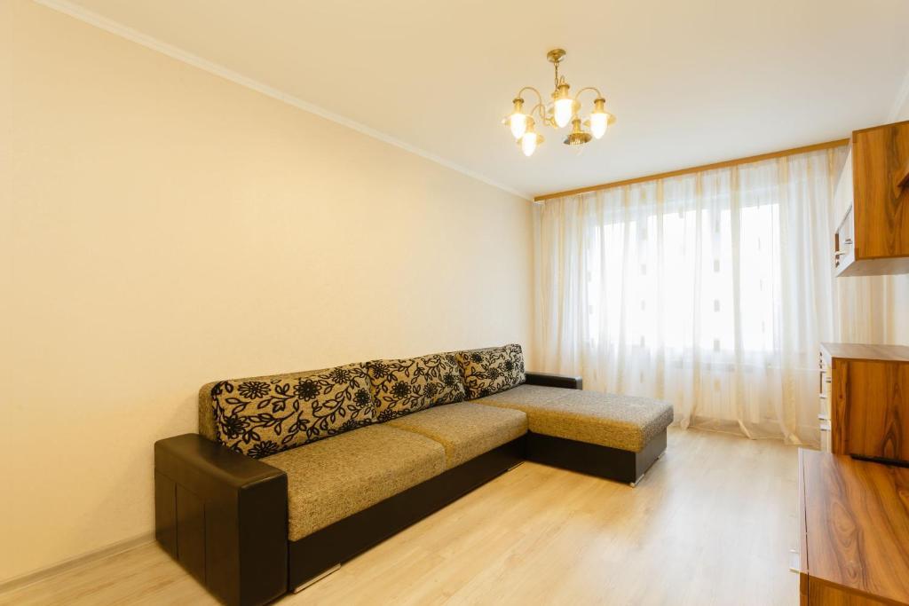 A seating area at Business Brusnika Generala Antonova 4