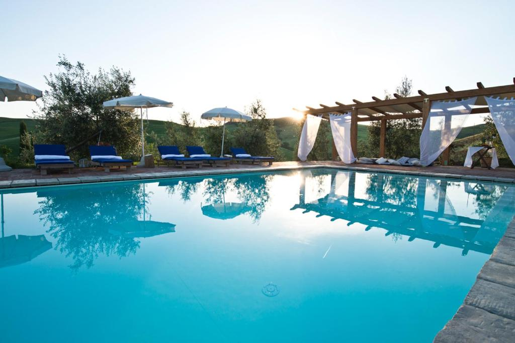 The swimming pool at or near Agriturismo Podere Campaini