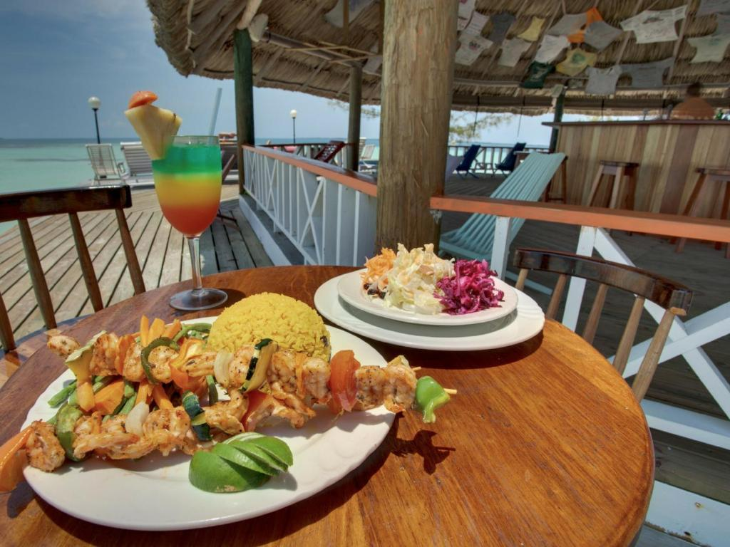 Lunch and/or dinner options for guests at Coco Plum All Inclusive Resort
