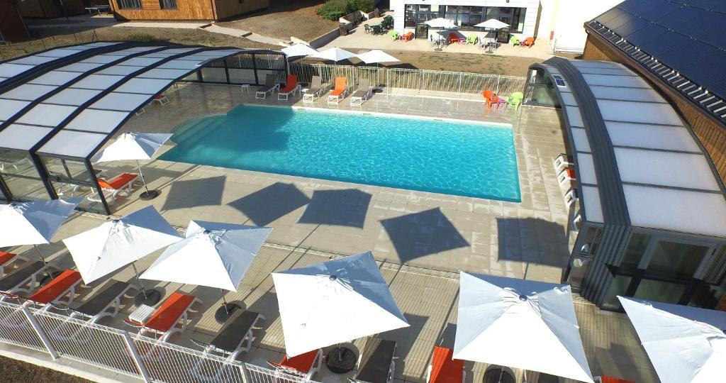 A view of the pool at VVF Villages « Les Châteaux de la Loire » Amboise or nearby
