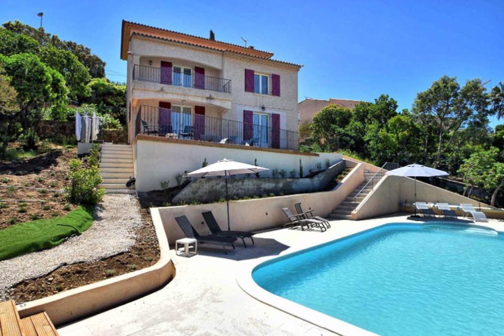 The swimming pool at or near Villa Roca