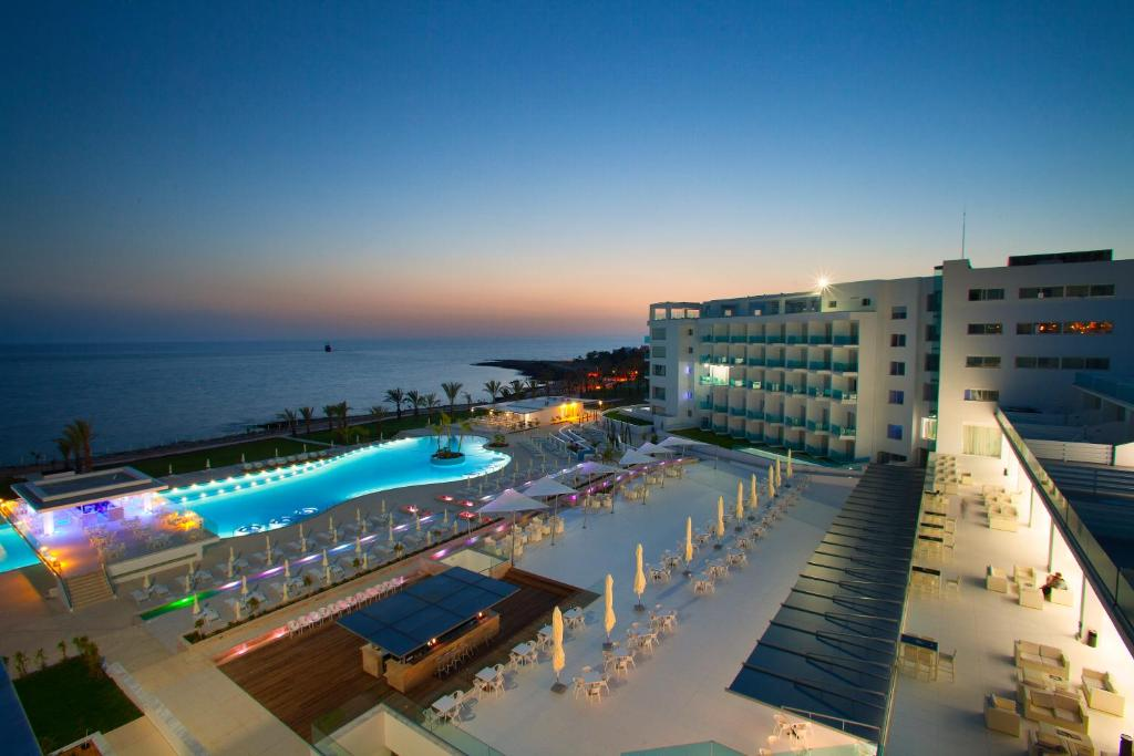 A view of the pool at King Evelthon Beach Hotel & Resort or nearby