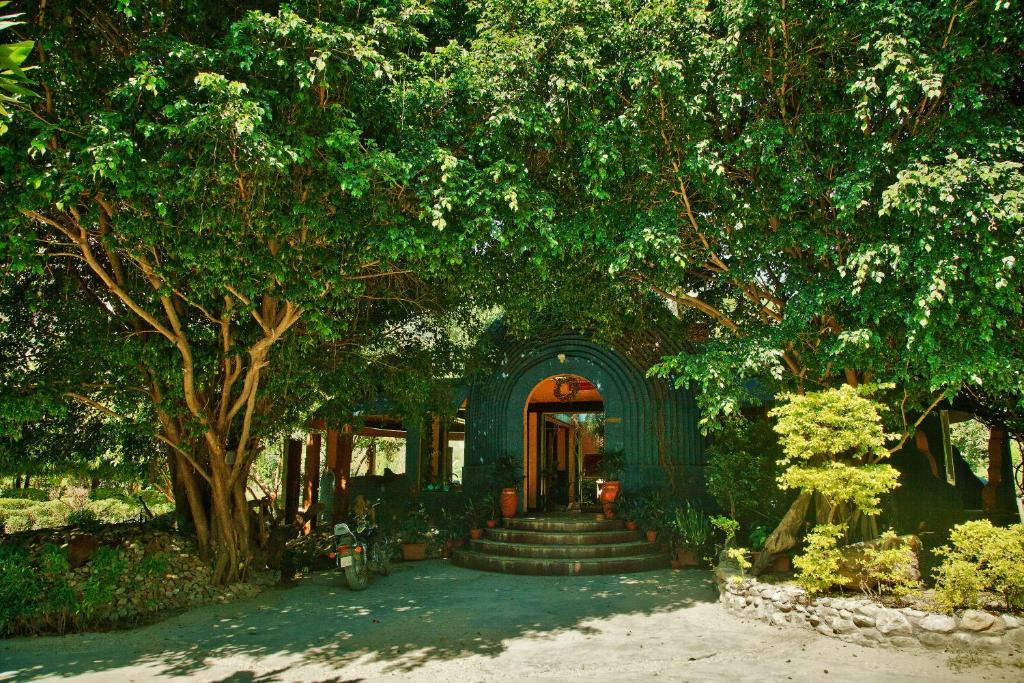 The Solluna Resort, Garjia, India - Booking.com
