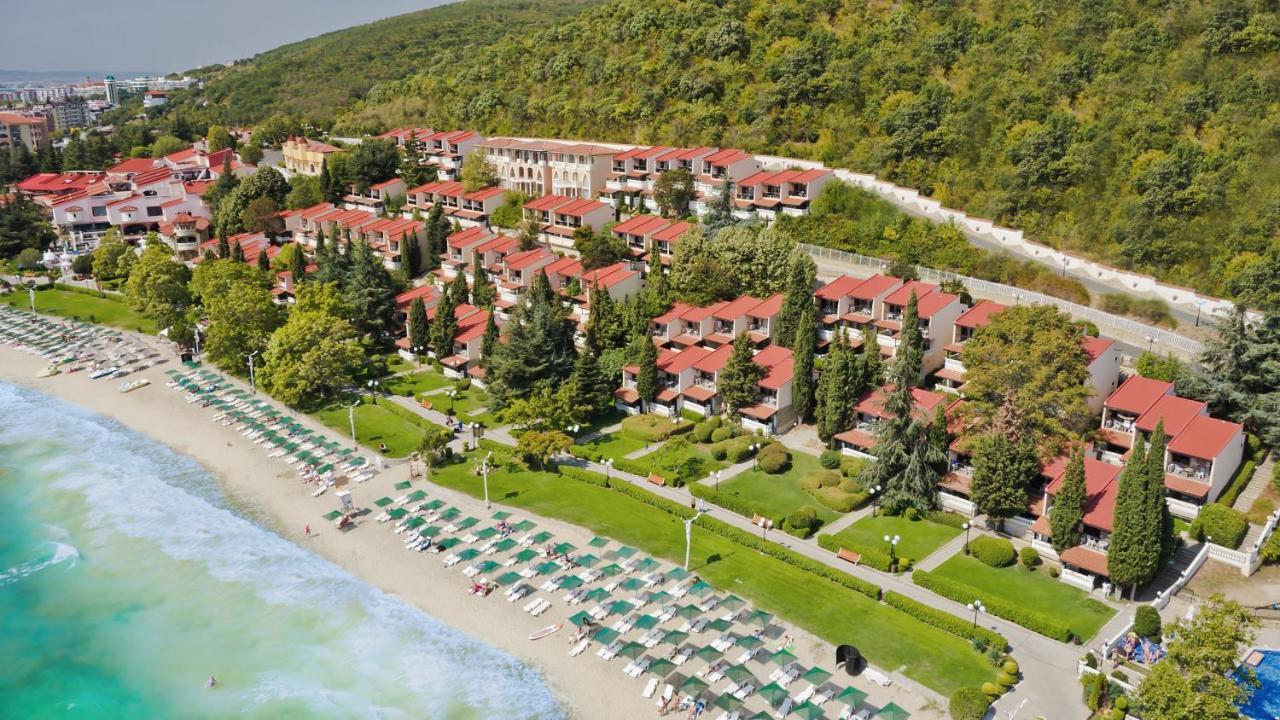 Курортный отель  Villas Elenite  - отзывы Booking