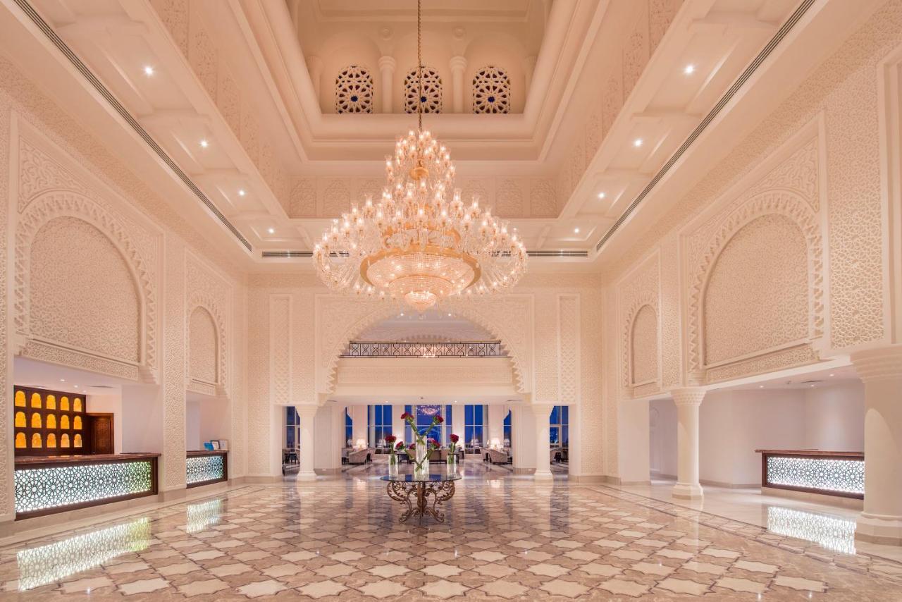 Rezervari si oferte hotel Baron Palace Resort din Hurghada. Oferte charter Egipt din Bucuresti, Cluj, Timisoara, Iasi, Oradea
