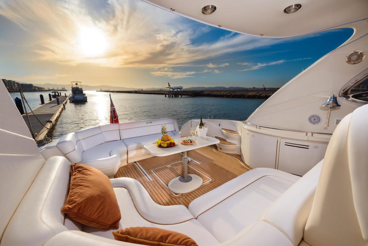 Ботель  Ботель  Luxury Yacht Hotel