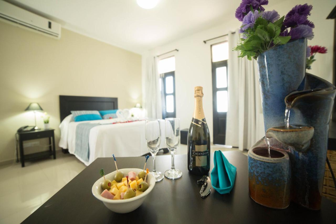 Отель  Hotel Colonial Casa Conde  - отзывы Booking