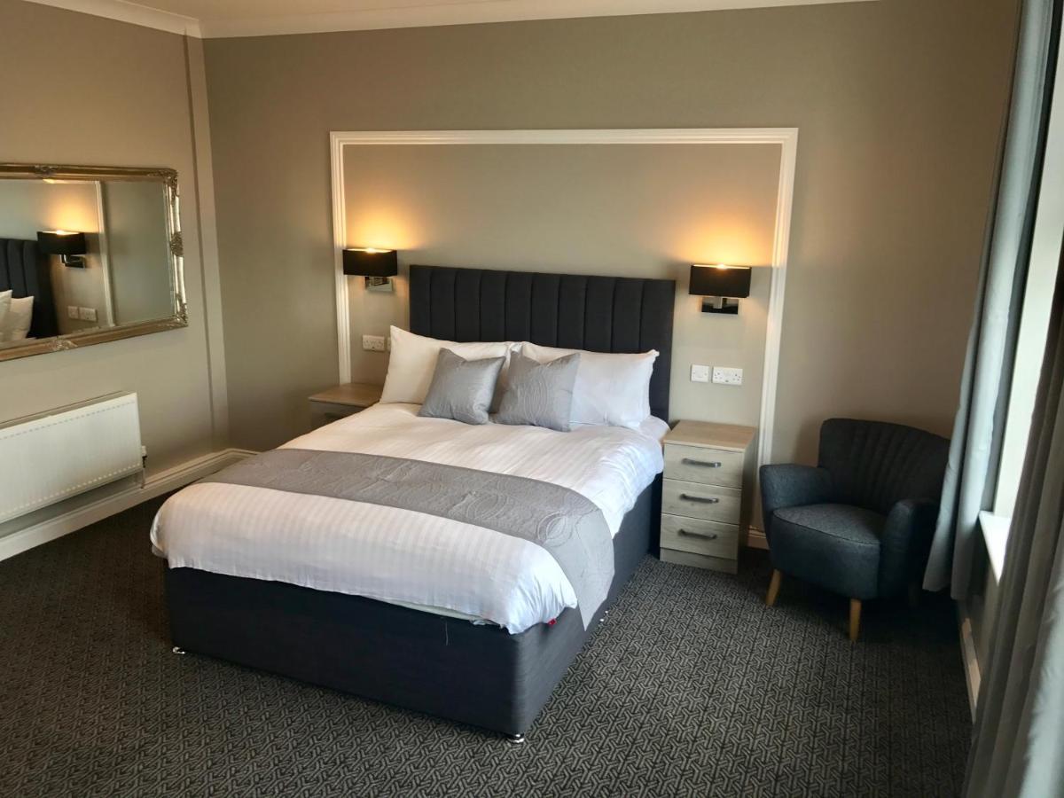 Отель  The Raven Hotel  - отзывы Booking