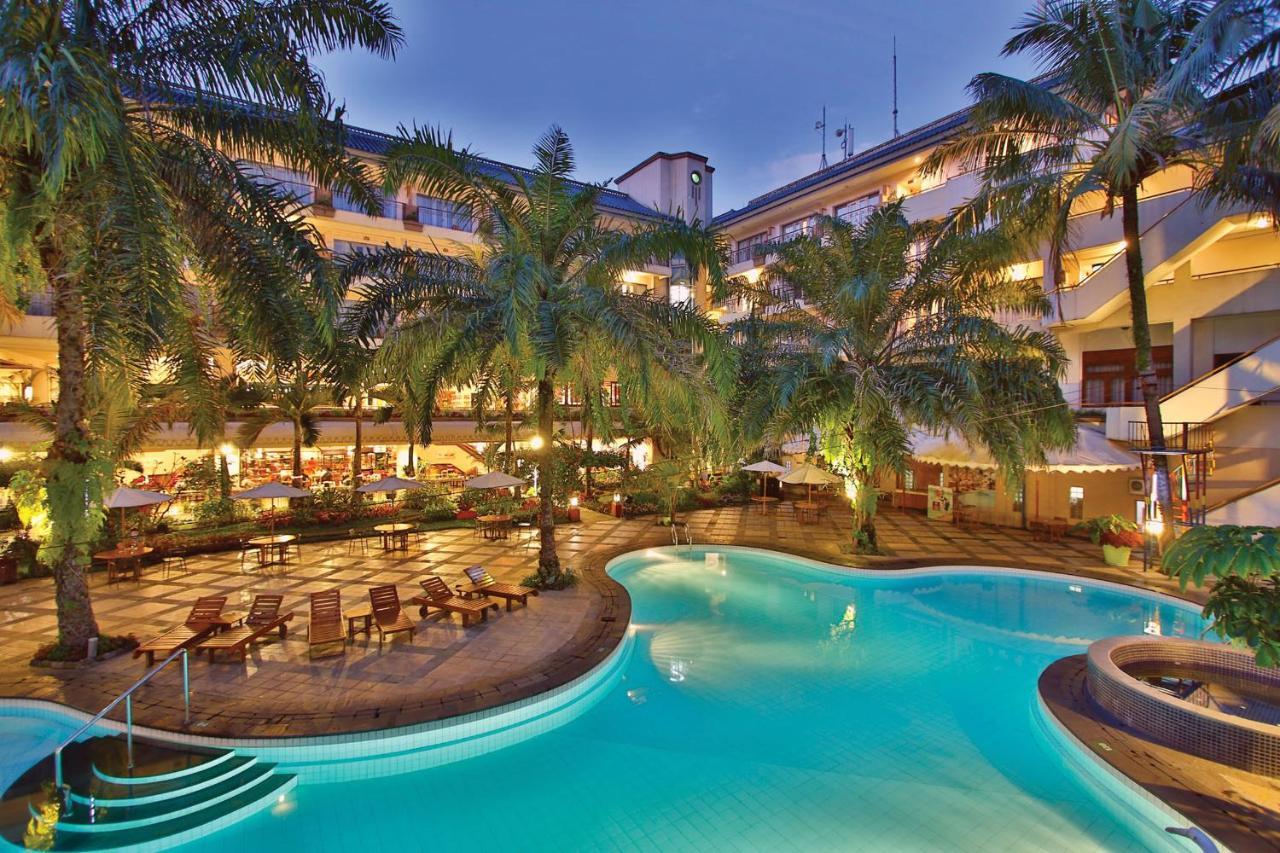 Отель  Отель  The Jayakarta Suites Bandung