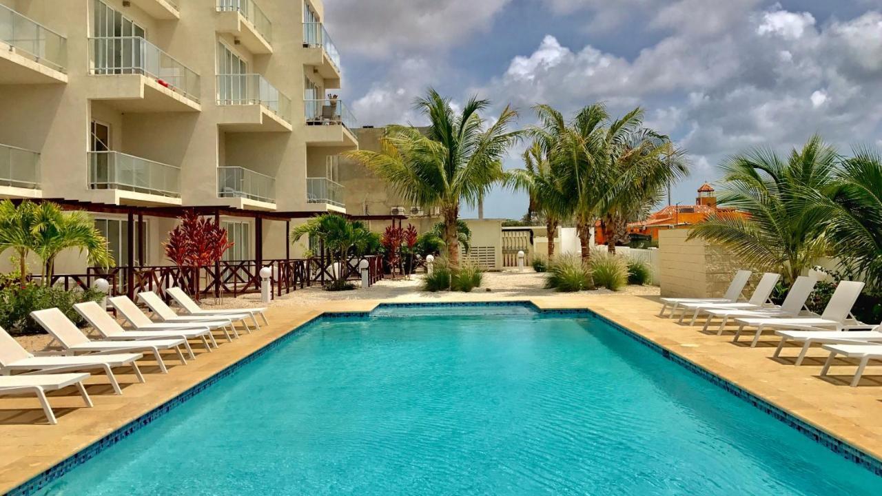 Апартаменты/квартира  Large Luxury Apartment On Palm Beach