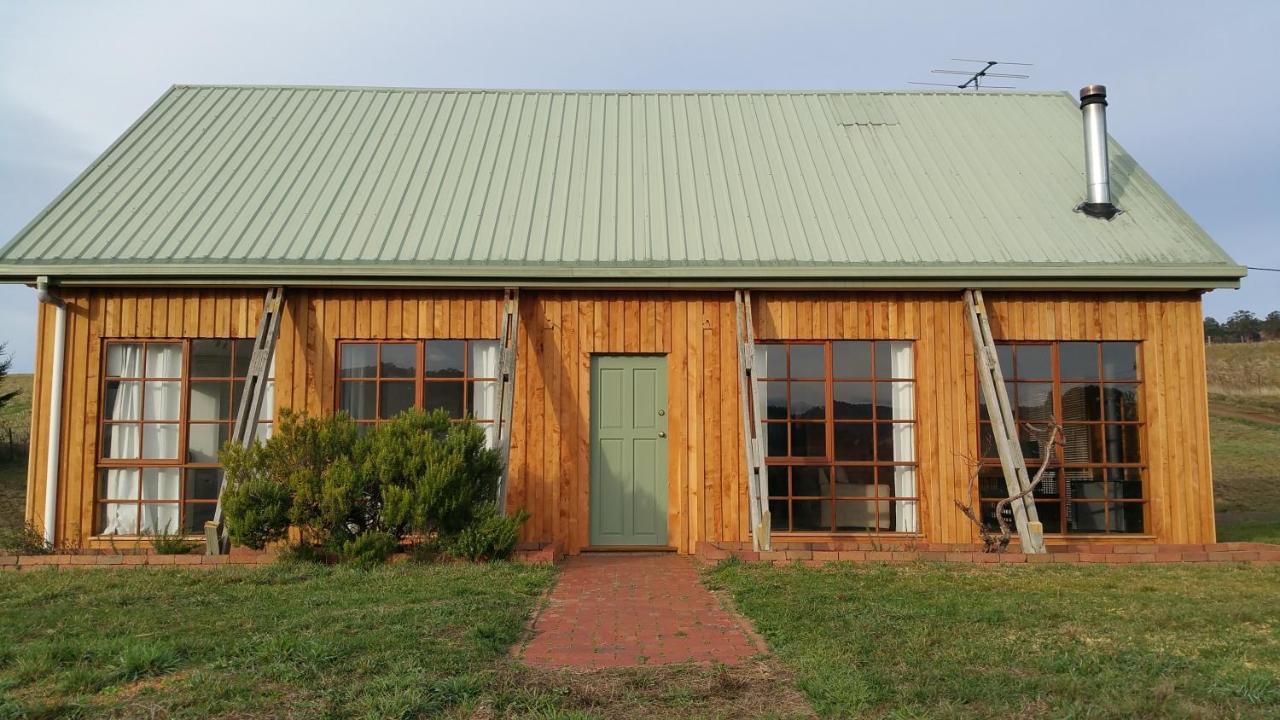 Загородный дом  Загородный дом  Charles Reuben Estate