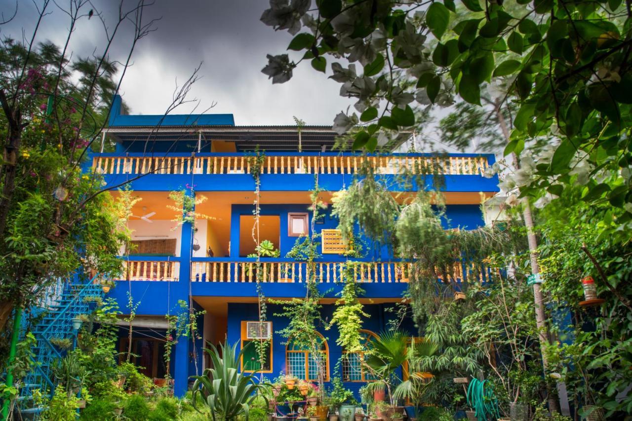 Проживание в семье  Проживание в семье  The Coral Tree Homestay