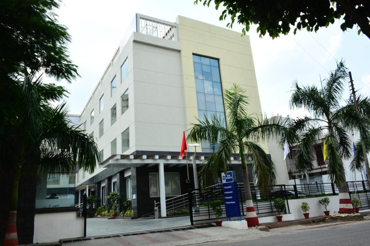 Отель  Best Western Sagar Sona  - отзывы Booking